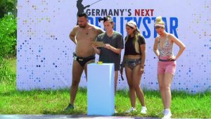 "Kampf der Realitystars 2021 Folge 9 - Cosimo, Gino, Jenefer und Xenia beim Spiel ""Germany's Next Realitystar"""