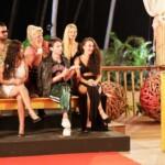 Kampf der Realitystars 2021 Finale – Cathy Hummels mit den Stars vor der Entscheidung