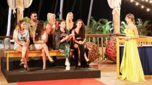 Kampf der Realitystars 2021 Finale - Cathy Hummels mit den Stars vor der Entscheidung