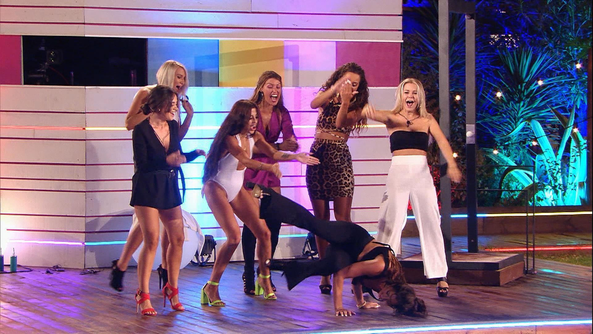 Dance Battle - Mädels vs. Jungs