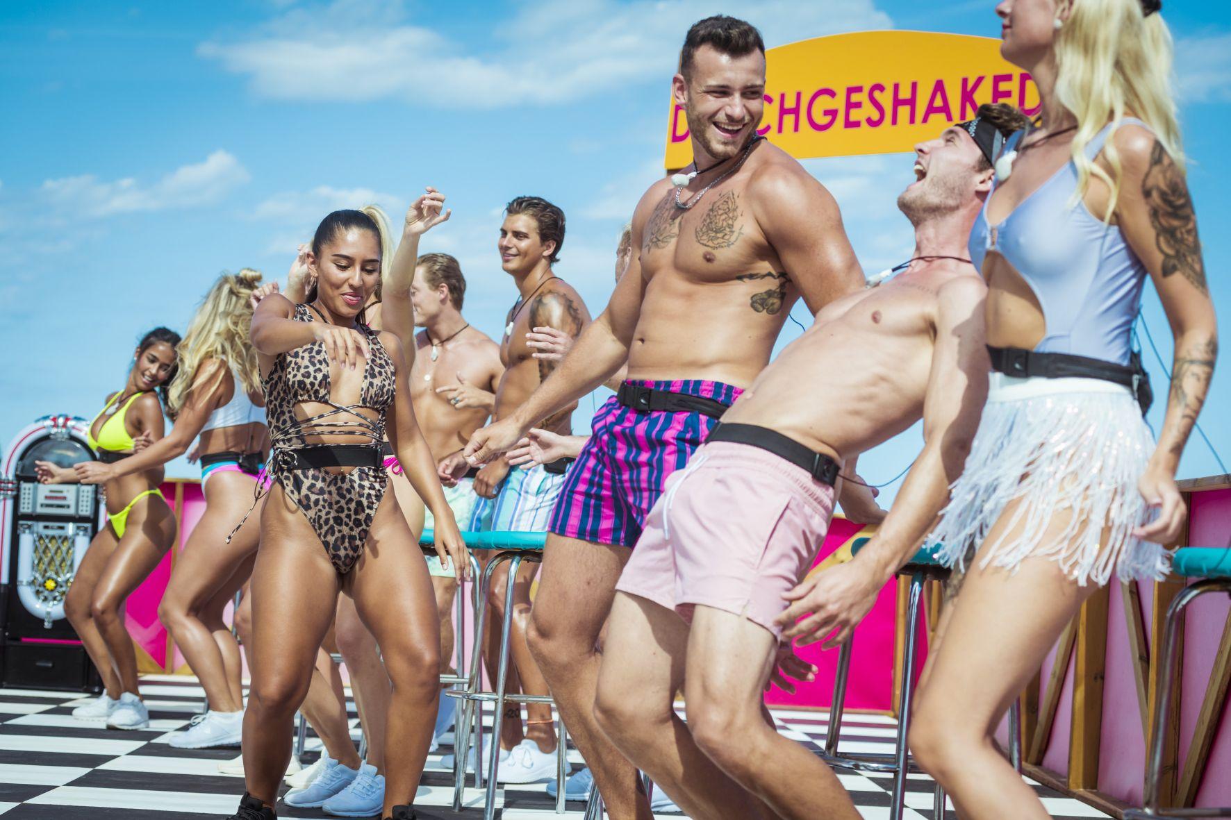 """Love Island 2020 Tag 19 - Die Islander bei der Challenge """"Durchgeshaked"""""""