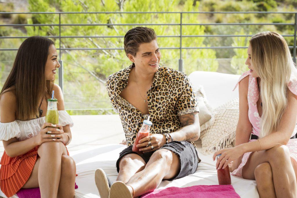 Love Island 2020 Tag 4 - Tim flirtet heftig mit Pia und Geraldine