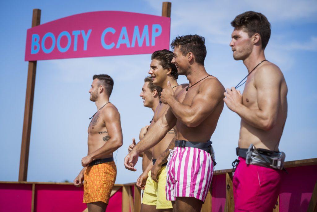 """Love Island 2020 Tag 4 - Die Jungs bei der """"Booty Camp""""-Challenge"""