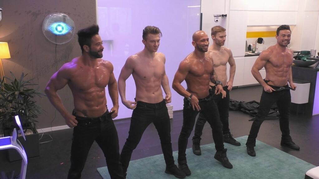 Die Tänzer von Sixx Paxx liefern eine heiße Show ab.