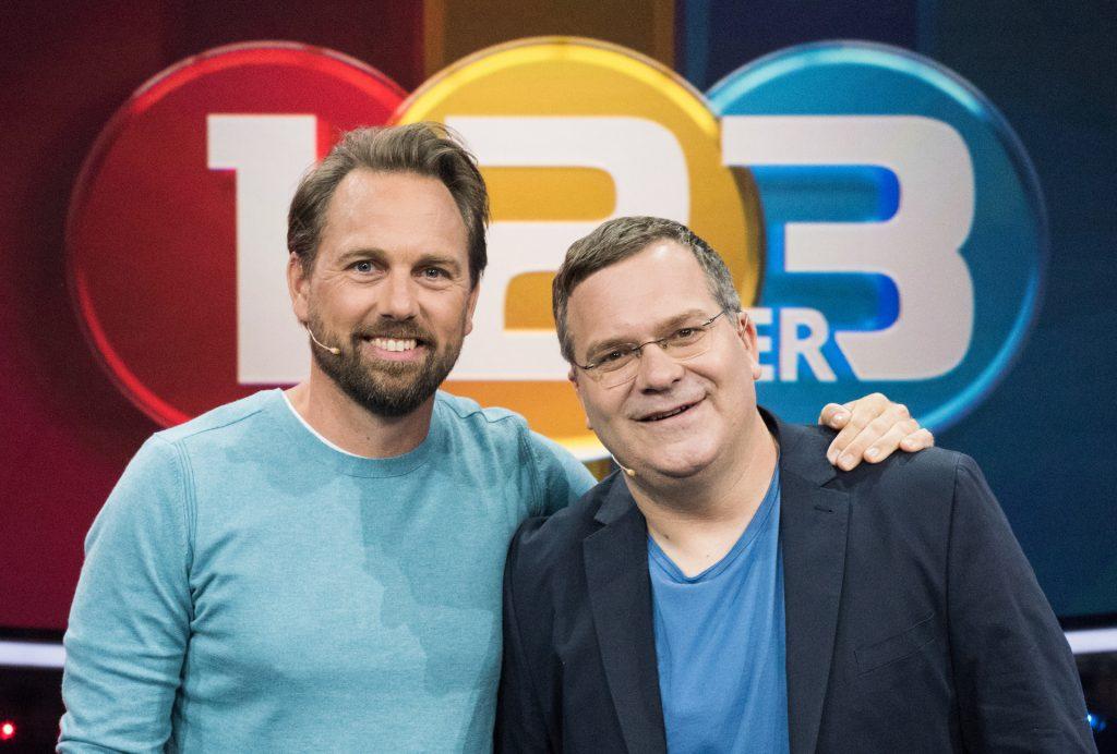 Die beiden Moderatoren Steven Gätjen und Elton.