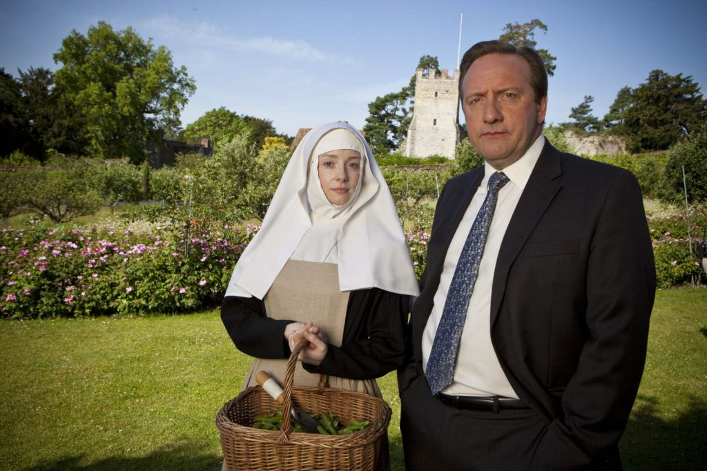 V.l.: Sister Catherine (Fiona Glascott), DCI John Barnaby (Neil Dudgeon)